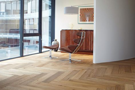 Herringbone boards are available from Harper & Sandilands. The oak is accentuated by the visually stunning herringbone pattern.