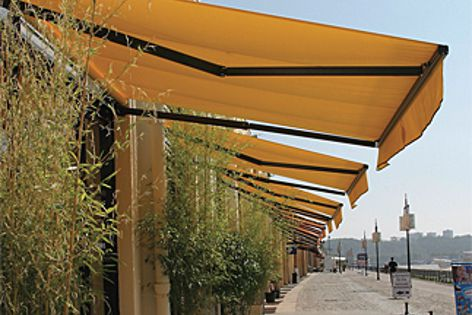 Orchestra Max self-cleaning awnings