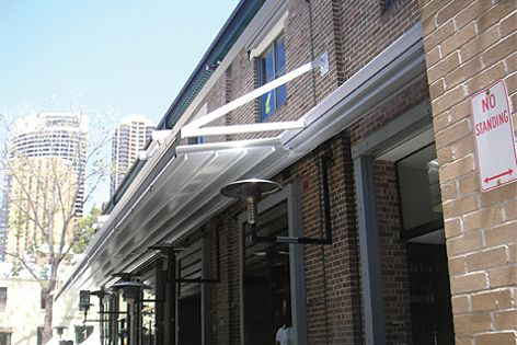 Alutecnic retractable roofs by Viva Sunscreens were installed at the Pony Lounge and Dining.