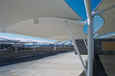 MakMax architectural car park shelters