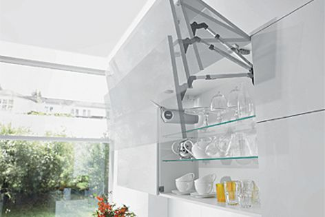 The Servo-Drive lift system enables easy opening of kitchen cupboards.