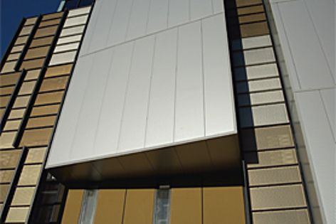 The award-winning Ecoscience Precinct in Brisbane uses Kingspan insulated panels.