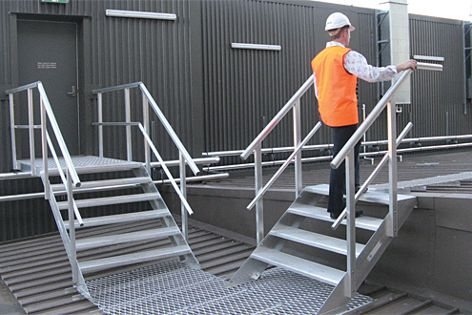 Stairs, stepladders and platforms