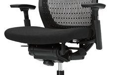 Visconte task chair by UCI