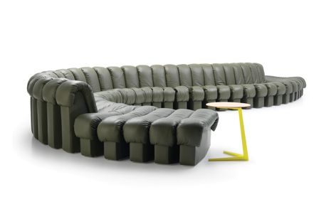 The highly configurable DS-600 sofa by de Sede is distinctive for its flexibility and free-flowing form.