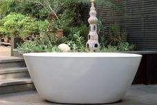 Purl bathtub by Aqva Design