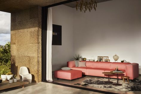The Soft Modular Sofa can be individualized with a range of covers and optional elements.