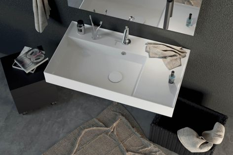The Twenty collection's left-hand bowl basin features crisp planes and thin walls that elegantly frame the basin top.