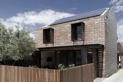 Stonewood by Breathe Architecture, 2014 winner of the Residential Exterior category. Photography: Andrew Wuttke.