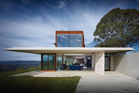 Invisible House by Peter Stutchbury Architecture, 2014 Australian House of the Year and winner of New House over 200 m2. Image: Michael Nicholson.