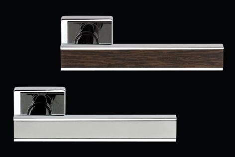Lesmo M211 door handle is available in two eco-friendly finishes and durable SuperInox Satin.
