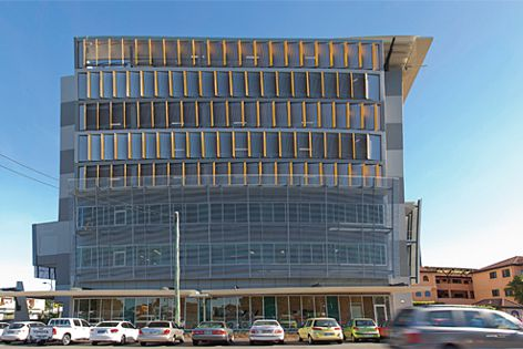 The facade of the Cairns Base Hospital's Block E car park uses Hi-Light aluminium screens.