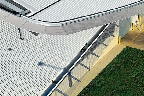 Hi-Light screening systems used to create a light and transparent appearance to the roof edge.