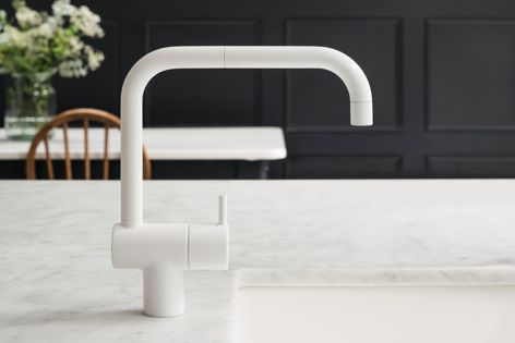 KV1 by Vola is a one-handle mixer with ceramic disc technology and distinctive subtle curves.
