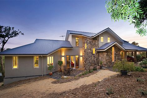 This home in Melbourne's north-east uses Boral Cultured Stone cladding to achieve a heritage look.