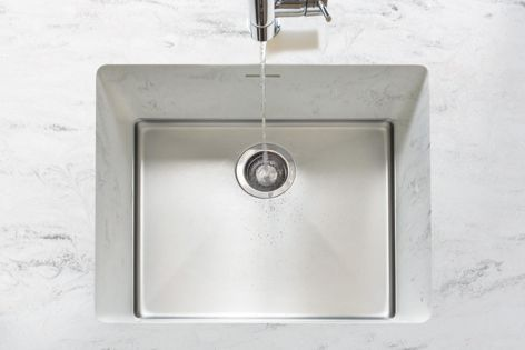 The Sparkling sink combines seamlessly with Corian benchtops.