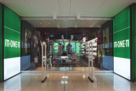 Dorma's Universal series was used for the fit-out of this M-One-11 store.