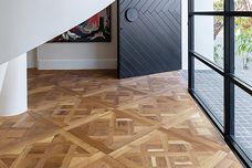 Easy-to-install parquetry timber flooring