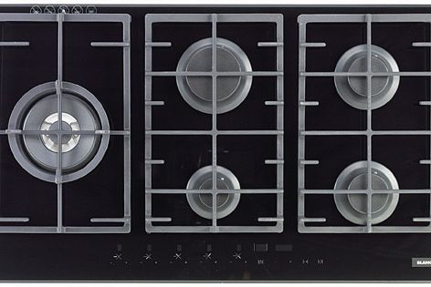 Consisting of four models, the Gas on Glass range can suit large family homes or busy kitchens.