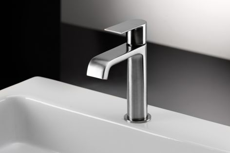 The Tolomeo basin mixer in Inox, one of the new finishes in the range.
