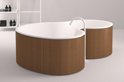 The DR bathtub was designed by Agape in collaboration with Marcio Kogan and Studio MK27.