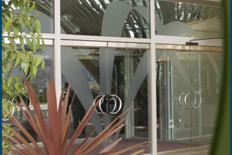 CRL all-glass entrance systems