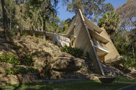 Cabbage Tree House by Peter Stutchbury Architecture, the Australian House of the Year. Photography: Michael Nicholson.