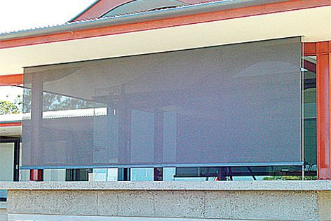 The Gunn Residence receives sun protection from Sunworker awnings without losing its views.