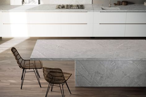 Vera, a new colour in the Dekton Natural Collection, is inspired by the elegant appearance of Gris Pulpis marble.