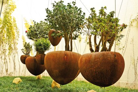 UAP Product's floating pots are available in four sizes.